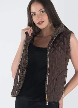 Colete em nylon forrada com pelos feminino com capuz