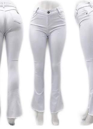 Calça flare jeans com lycra