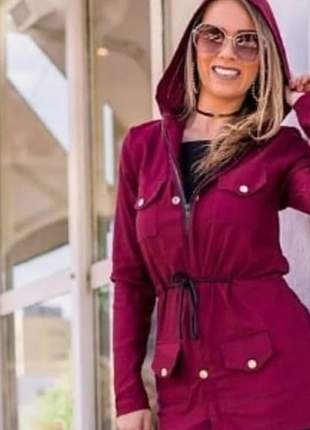 Parça com capuz feminina com bolso e botões manga longa