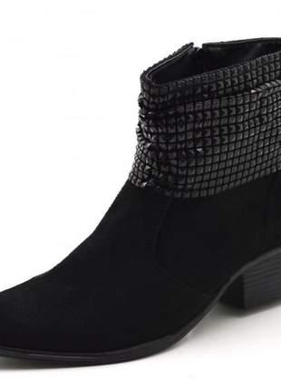 Bota botina cano médio em camurçado preto com manta