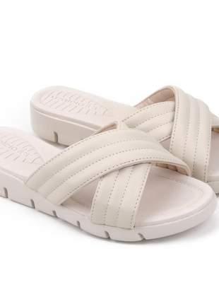 Sandália feminina anabela tratorada leve macia confortavel