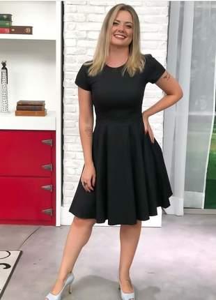 Vestido midi godê liso modesto preto