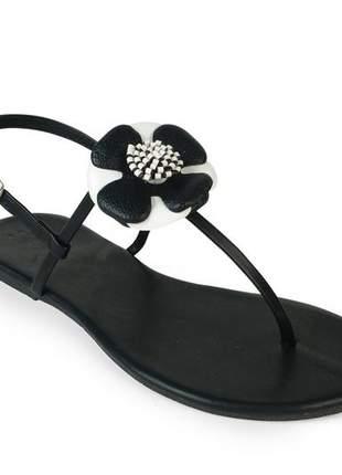 Sandália flat com preto napa flor em couro preto/ branco mercedita shoes