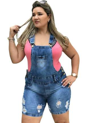 Jardineira jeans plus size com lycra
