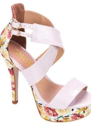 Sandália salto alto meia pata rosê floral