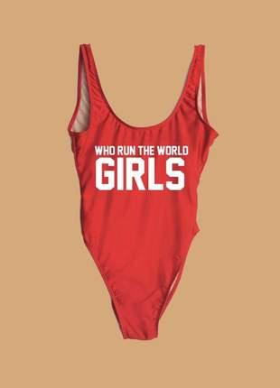 Maiô com frase who run the world girls