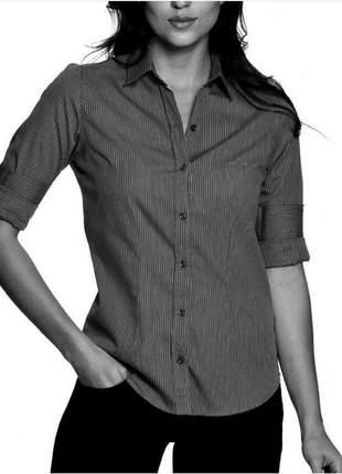 Camisa social risca de giz feminina.