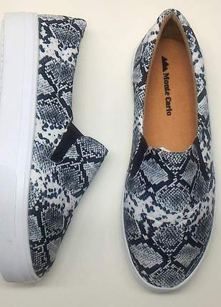 Sapatenis slip on animal print cobra