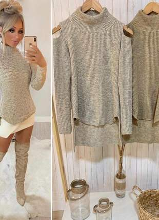 Blusa de tricô modelo mulett mesclada com ombro vazado