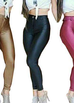Calça em cirre feminina com bolso e zíper e botão skin