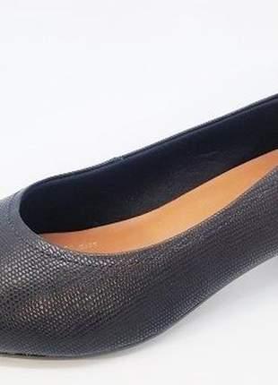 Sapato feminino tamanho grande bico fino usaflex preto numeração especial 40, 41 e 42
