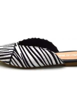 Mule bico fino nude em napa sintético pelo de zebra