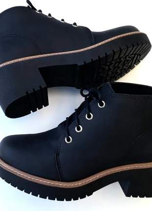 49390eeb5 Bota feminina botinha preta salto médio grosso tratorada - R$ 144.90 ...