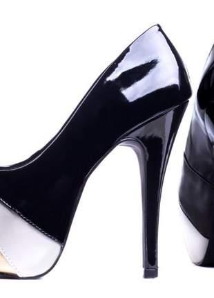 Sapato meia pata verniz