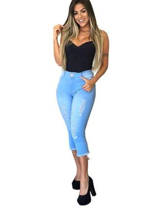 Calça jeans capri cintura alta midi com lycra