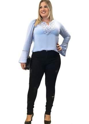 Calça feminina plus size jeans preta rasgada cintura alta