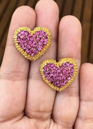 Brinco coração com strass rosa