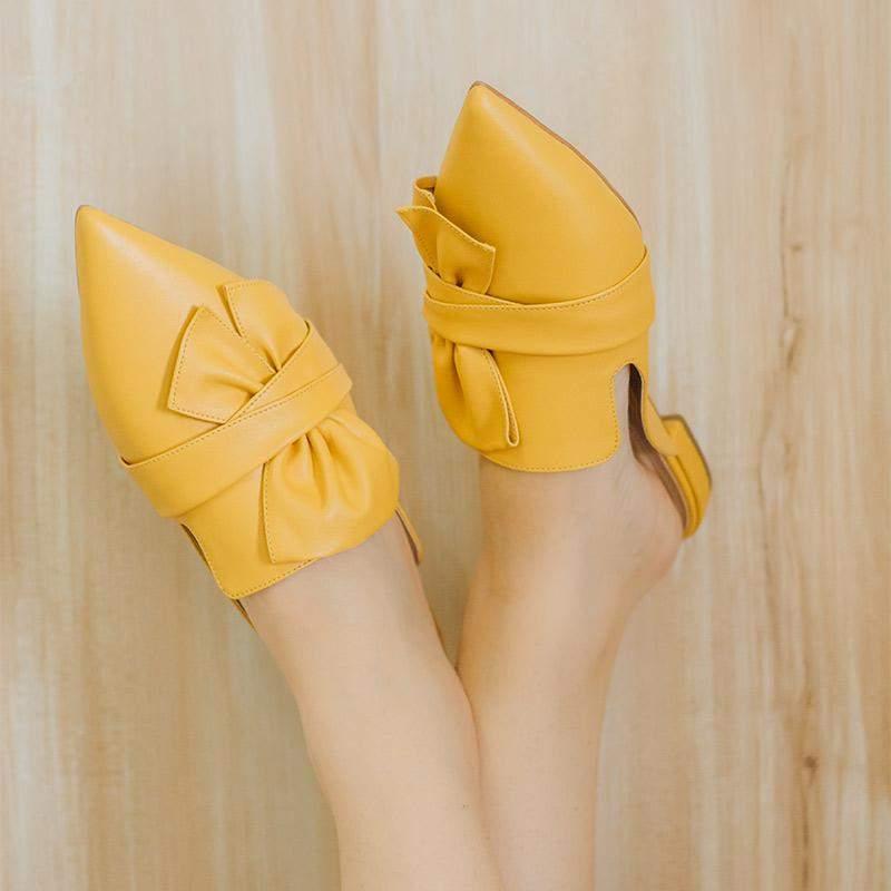 Taynara Shoes / Mule bico fino amarelo