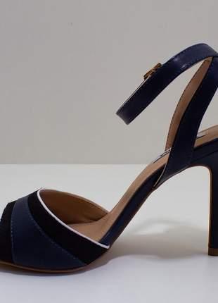 Sandália salto fino azul marinho