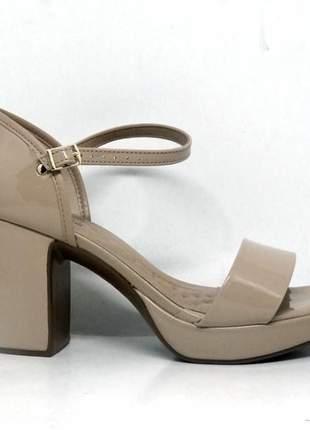 Sandália feminina beira rio conforto salto quadrado bege