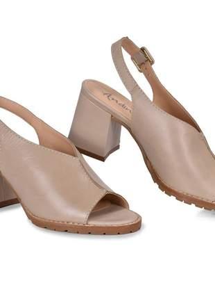 Sandália feminina salto grosso