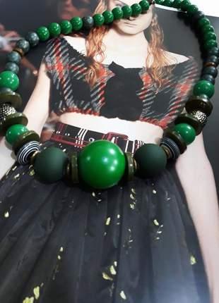Colar esfera verde