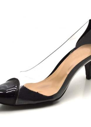 Sapato scarpin salto baixo em napa verniz preto com transparência