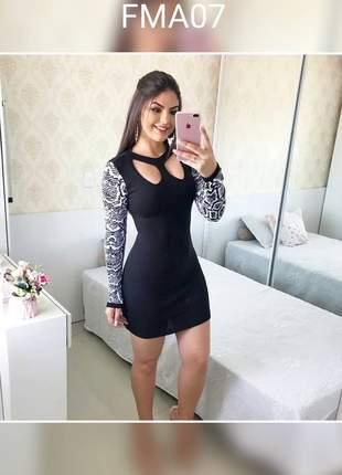 Vestido de manga longa