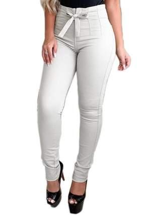 Calça sarja clochard bege moda feminina tendência