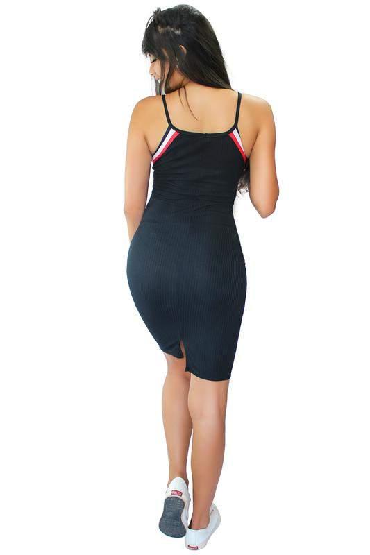 f156ba0a9 Vestido tubinho alcinha com fenda e listras - R$ 69.99 (com estampa ...