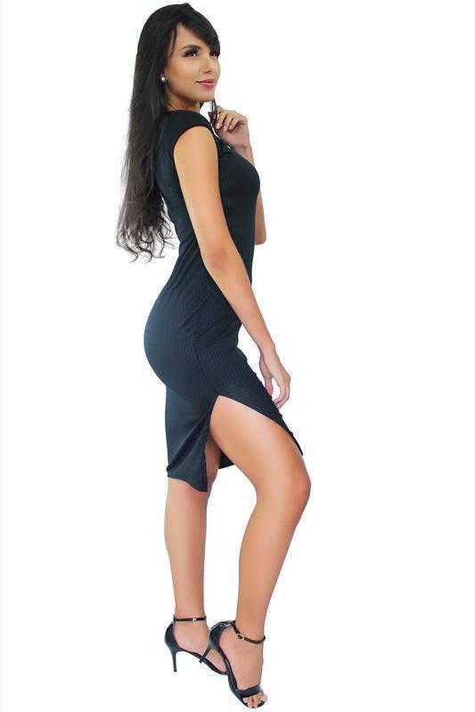 aa34b57b1 Vestido midi social com fenda lateral - R$ 69.99 (com estampa de ...