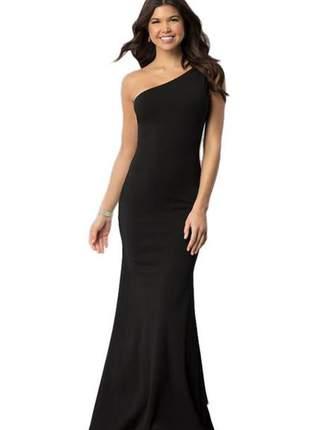 Vestido feminino longo com uma alça um ombro nú