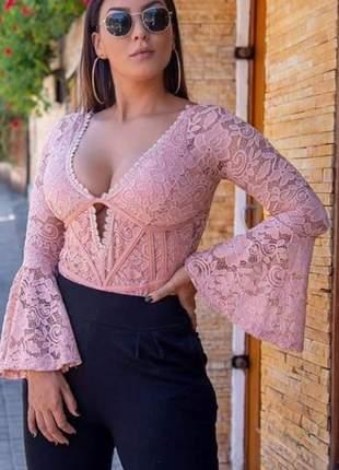 Body feminino com manga flare manga longa com detalhes decote