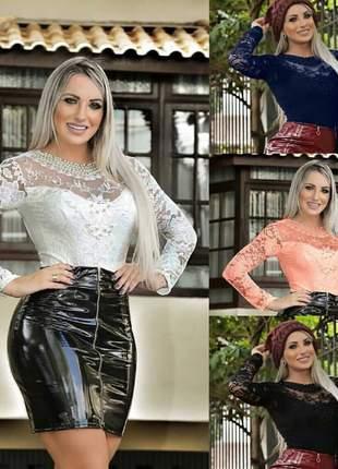 Body estilo blusa feminino em renda com detalhes em pérolas manga longa