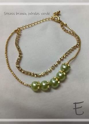 Pulseira dourada com perolas verdes