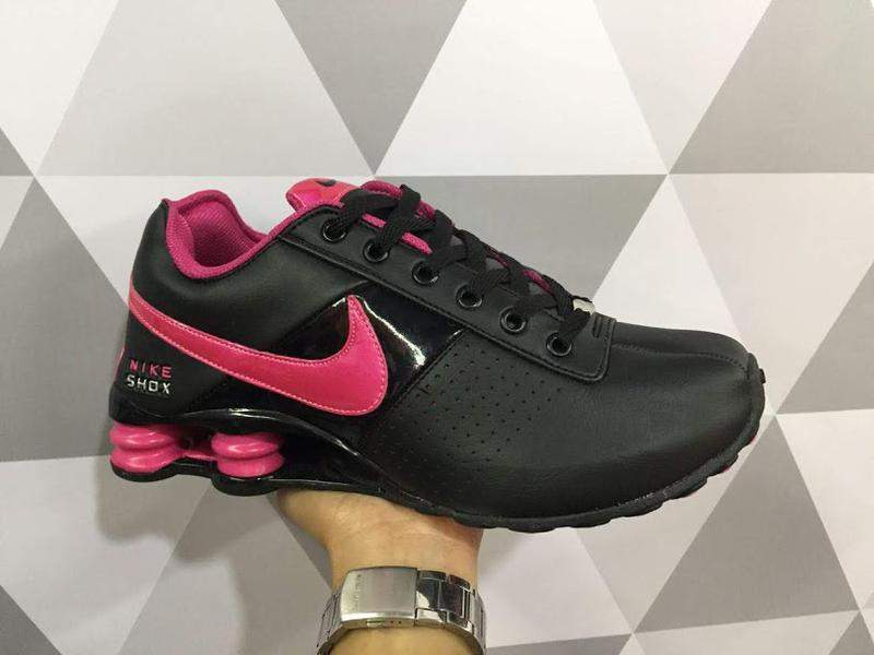 nike shox deliver feminino cinza e rosa