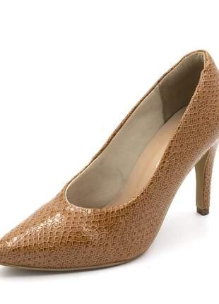 Sapato scarpin salto alto fino em napa cobra caramelo