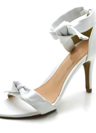 Sandalia social feminina salto alto fino laço branco