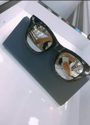 Óculos de sol modelo pequeno feminino n21