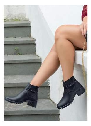 Bota feminina cano curto preta