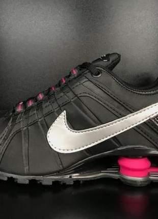 Nike shox junior - feminino preto/rosa