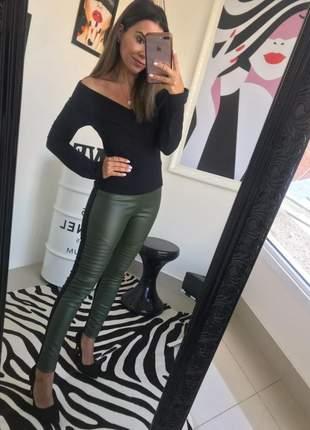 Blusa ombro a ombro manga longa preto