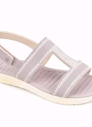 Sandália grendha sense soft na cor lilás