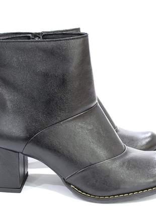 Bota de couro e salto grosso dalí shoes