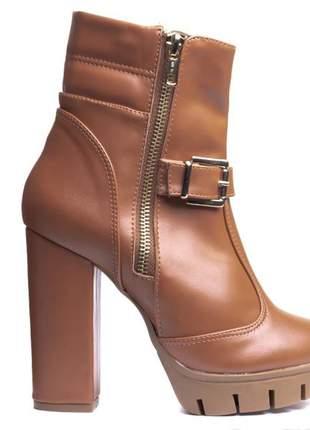 4f6f8a80a Bota cano curto feminina - compre online, ótimos preços   Shafa