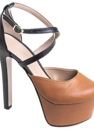 Sapato meia pata bicolor
