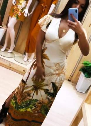 Vestido longo com manga curta