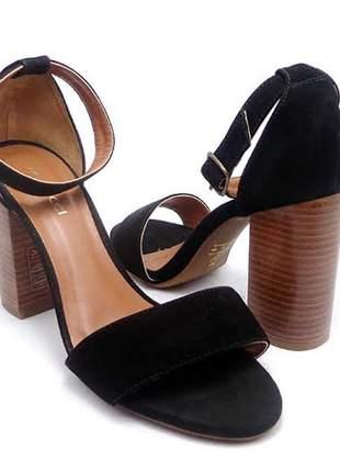 Sandália de couro salto grosso ferrucci