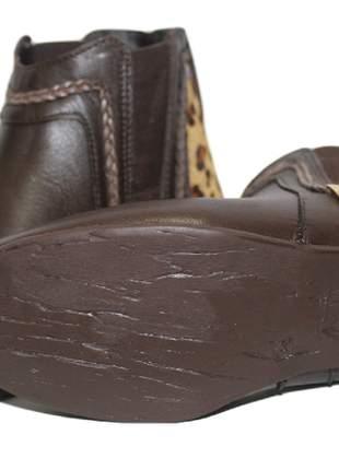 Bota feminina café couro legítimo cano baixo onça pelo