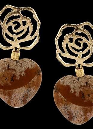 Brinco folheado à ouro 18k pedra madeira coração ref. 1897